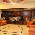 Lobby & Bar/lounge area