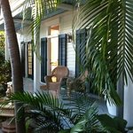 Entree Cabana Inn