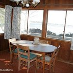 Silver Sands Motel deluxe cottage kitchen