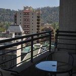Balcón y vista desde el hotel
