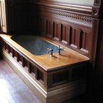 Fine lil' tub