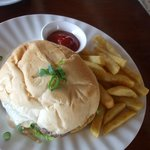 Méga hamburger/frites