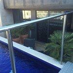 Vue de la terrasse avec bassin