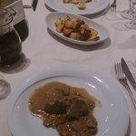 Filetto di maiale ai porcini, pollo alla piastra e patate