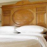 lodge cottage bedroom