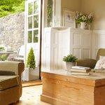 lodge cottage livingroom