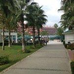 Дорога с пляжа в отель