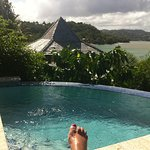 Plunge pool cottage 2 and my foot !!