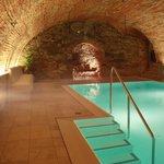 Schwimmbad im Gewölbekeller