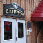 Foto de Pine Junction
