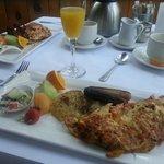 Omelettes & mimosas for breakfast