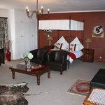 Honeymoon Suite with luxury full en-suite bathroom with spa bath