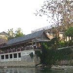 le restaurant vu de la rivière