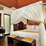 薩瓦里酒店