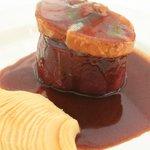 Filete al vino con foie fresco y manzana