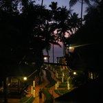 abendliche Aussicht vom Zimmer über das Meer, inklusive romantischer sonnenuntergang