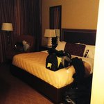 King size deluxe room.
