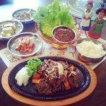 Lunch set - 불고기 쌈밥. Bulgogi Ssam Bab
