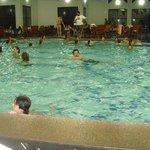 piscina aquecida muito grande e boa !