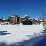 Panoramic picture of Mohonk Mountain House