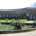 Парк и дворец