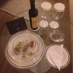 Greek sweets & red wine in room on arrival!  Cute 😊