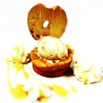 Sable breton , pommes caramélisées, glace tatin