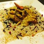 Buonissimo inimitabile pollo al curry del faloppia
