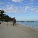 Hermosa playa a unos pasos del hotel