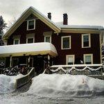Snowy Bartlett Inn