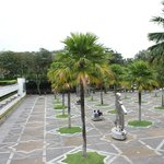 Маленькая площадь перед мечетью