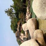 Sai Thong bungalow on the rocks