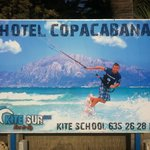 muy guapa la publicidad justo en frente de la mejor playa