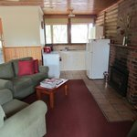 Cottage 7 lounge & kitchen