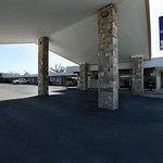Photo de Americas Best Value Inn Uvalde