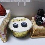 季節のショートケーキほか