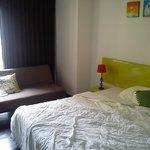 cama de 1,50cm y sofacito