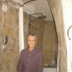 Cave style salle de bains at Museum Hotel in Uchisar