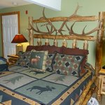 King bed in the Tamarack Room