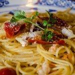 Spaghetti aglio e olio with spicy shrimps