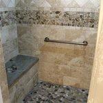 Royalton room bathroom