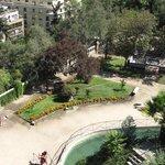Jardines y vista de Santiago.