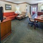 CIS Amarillo King Suite