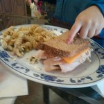 Half kids Turkey sandwich w/pasta