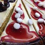 Cheesecake fragole e meringhe o cioccolato e brownies...?