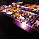 Buffet des desserts au restaurant.