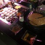 Zoom sur les crêpes proposée dans le buffet chaud.