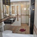 Окно в ванную =)