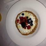 Super Tasty Greek Yogurt, Mixed Berries & Honey