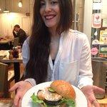 """Fresh Fish Burger """"Poisson""""."""